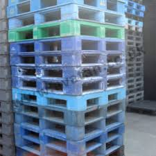plastic pallets for sale. large stocks of used plastic pallets plastic pallets for sale