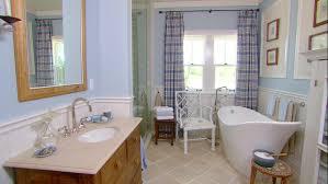 1930s Bathroom Design Vintage Bathroom Decor Ideas Pictures Tips From Hgtv Hgtv