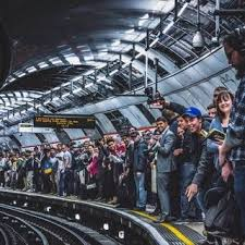 Rush hour on the Central Line : london | Exam project 2 in ...
