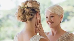 how to do perfect make up if you re the mother of the bride and tips to make it last all day