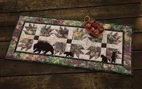 Bear Paws Table Runner Quilt Kit | Keepsake Quilting &  Adamdwight.com