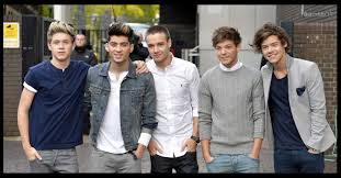 One Direction Wallpaper For Bedroom 17 Best Images About One Direction 3 On Pinterest My Boys