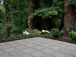 modern patio with pavers pea gravel