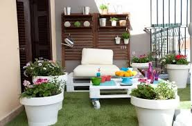 40 Summer Decorating Ideas For Home And Garden To Make Inspiration Apartment Balcony Decorating Ideas Painting