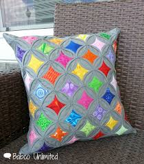 BabcoUnlimited.blogspot.com -- Modern Cathedral Windows Quilt ... & BabcoUnlimited.blogspot.com -- Modern Cathedral Windows Quilt Pillow Adamdwight.com