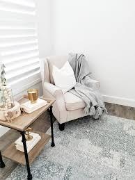 #whitelanedecor #ad @whitelanedecor flor sqaures rug, inspire q furniture,  all white