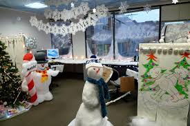 Christmas decorations office Ridiculous Office Desk Christmas Decorations Hatchfestorg Office Desk Christmas Decorations Hatchfestorg How To Diy