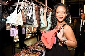 Rihanna Shares Sultry Valentines Day Themed Photo For Savage X