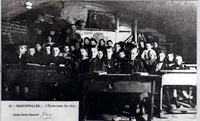 Image result for L'école sous les obus