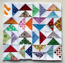 Free Paper Piecing Patterns | WOMBAT QUILTS & paper pieced flying geese mini block Adamdwight.com