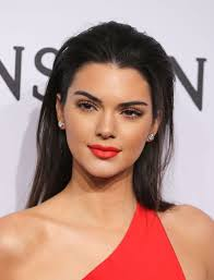 kendall jenner red lip