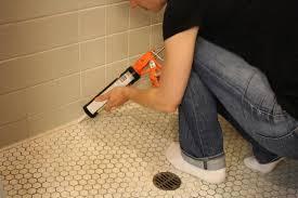 Learn How to Re-Caulk Your Bathroom   how-tos   DIY