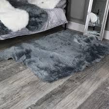 large grey faux fur gy rug 120cm x170cm