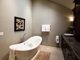 Neutral Asian Bathroom With Bathtub (Image 25 of 32)