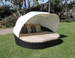 ... Mind Blowing Outdoor Beds With Canopy Design Exterior Ideas : Adorable  Green Grass Flooring Garden Pictures ...