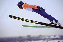 Лыжный спорт Википедия Спорт на лыжах это совокупность различных видов зимнего спорта в соревнованиях по которым спортсмены используют лыжи Включает в себя бег на лыжах на