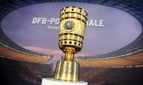 Dfbポカールの前身は1935年から1943年まで行われていたチャンマーポカール(tschammerpokal)、正式名称フォン・チャンマー・ウント・オステン・ポカール(von tschammer und osten pokal)。スポーツ指導者委員会長官 ハンス・フォン・チャンマー・ウント・オステン (ドイツ語版) の名を冠していた。 Dfb Pokalfinale In Berlin Berlin De