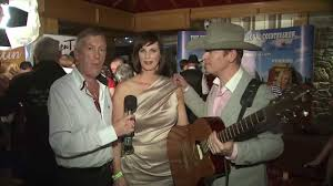 Phil Mack with Selina Galvin & Robert Mizzell - YouTube