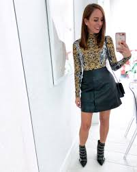 sydne style wears black leather mini skirt for fall outfit ideas