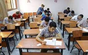 18ألفاً و555 طالباً يؤدون امتحان ملاحق الثانوية في العربي