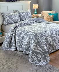 Unique Comforters and Bedspreads   Cheap Quilt Sets   Lakeside & Como Damask Quilt Sets Adamdwight.com