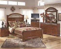 Bedroom Sets At Ashley Furniture Ashley Furniture Fairbrooks Estate Poster Bedroom Set Best
