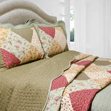 Oakridge Bedroom Furniture Pegasus Home Fashions Vintage Oakridge 3 Piece Quilt Set Reviews
