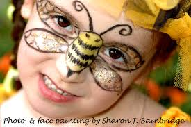 in the 3 three videos below you can see how i have created a blebee fairy mask using old makeup and craft glitter