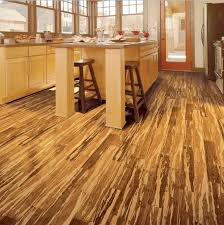 Flooting strand woven tiger stripe bamboo flooring in kitchen