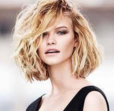 Coupe Femme Cheveux Ondulés