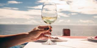 is there a correct way to hold wine glass vinepair