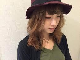 2分で作れるハットに合わせたいおろし流し前髪ヘアアレンジ松井愛士