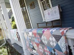 Rosebud's Cottage: Sweet Home Quilt Co ~ Conyers, Georgia & Sweet Home Quilt is going to be taking part in the Greater Atlanta Quilt  Shop Hop later in March. I think their quilt is wonderful with that black  ... Adamdwight.com