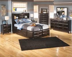 Ashley Kira 5 Pc. Dresser, Mirror & Full Bed with Storage
