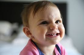 Piercing your baby's ears: Should you? At what age? We shed light ...