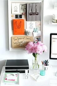 Decorate office jessica Bedroom Desk Itguideme Desk Decor Clean Elegant And Sophisticated Desk Decor Office