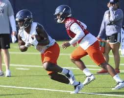 Utsa Offensive Line Building Off Continuity As Fall Practice