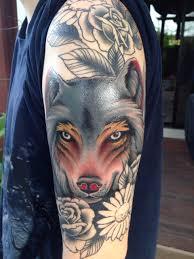 тату волка и цветы на плече фото татуировок