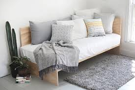 diy plywood daybed themerrythought