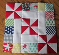 30+ Easy Quilt Block Tutorials - & Spins & Squares Quilt block   round robin 2014 Adamdwight.com