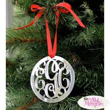 Beautiful Personalized Christmas Ornaments  http://www.thepinkmonogram.com/40535/