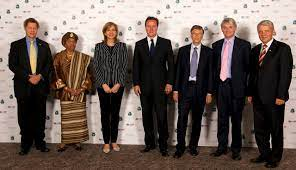 File:David Cameron, Andrew Mitchell, Bill Gates and Ellen Johnson-Sirleaf,  together with members of the GAVI board (2).jpg - Wikimedia Commons