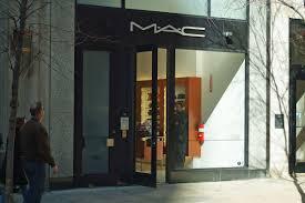 m a c makeup art cosmetics 1427 walnut street philadelphia pa 19102 215 568 2282