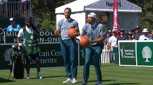 Curry family shoots hoops at 2021 ...
