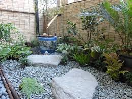 Lawn & Garden:Chill And Natural Look Of Japanese Garden For Small Space In  The
