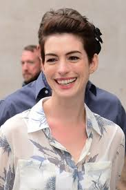 anne hathaway growing out short hair