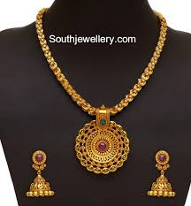 simple antique gold necklace and jhumkas