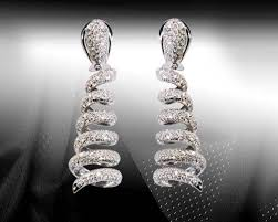 chandelier design diamond earrings