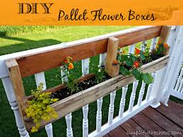 Diy Window Boxes Diy Pallet Flower Boxes Simplify The Chaos