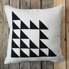 easy pillow designs. diy-triangle-pillow5 easy pillow designs
